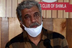 शिमला में येलो लाइन पार्किंग में फीस वसूलने के विरोध में उतरे जनारथा