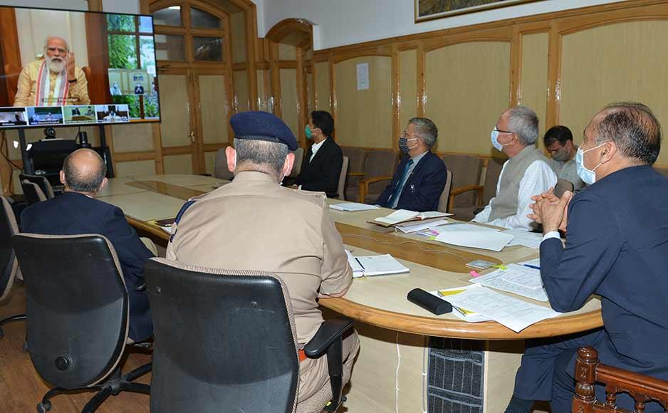 मुख्यमंत्री ने करवाया प्रधानमंत्री को उनके हिमाचल के प्रस्तावित दौरे के प्रबन्धों से अवगत