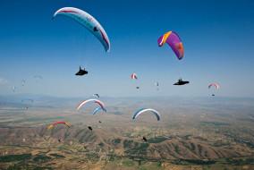 हिमाचल : अब पर्यटक कर सकेंगे कुल्लू, मण्डी, कांगड़ा, चम्बा और शिमला में पैराग्लाइडिंग