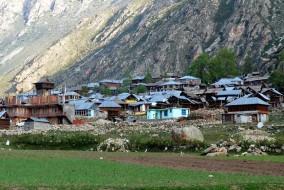 """हिमाचल प्रदेश के किन्नौर जिले में बसा भारत का ऐतिहासिक अंतिम गांव """"छितकुल"""""""