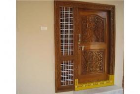 घर के दरवाजे से पॉजीटिव और नेगेटिव एनर्जी करती है प्रवेश