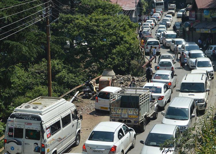 रामपुर में यातायात की सुचारू व्यवस्था एवं जनहित के मध्य नजर अधिसूचना के तहत निर्देश जारी