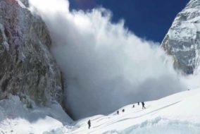 केलांग : हिमखंड गिरने से रुका भागा नदी का बहाव