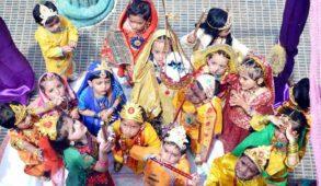 माखनचोर कान्हा के जन्मोत्सव की धूम... श्रीकृष्ण का अवतरण होते ही वसुदेव–देवकी की खुल गईं बेड़ियाँ