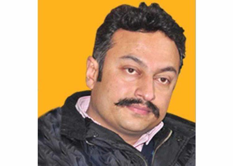 टीकाकरण को प्राथमिकता देकर समय सीमा तय करें सरकार : रोहित ठाकुर